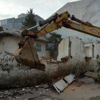 خدمات تخریب منزل و ساختمان