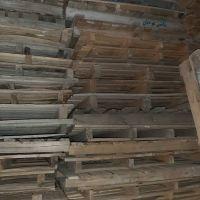 پالت چوبی شاسی دار
