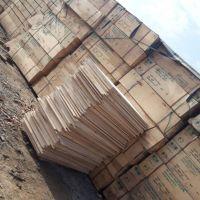 یک تن تخته سه لایی و الوار چوب روسی با کیفیت